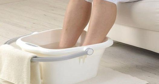 bain de pied eau salée