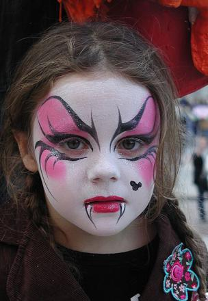 maquillage vampire fille enfant