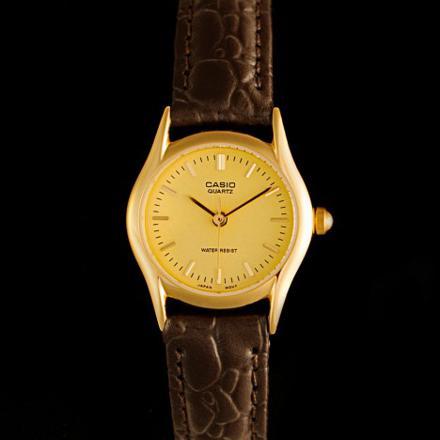 montre casio femme bracelet cuir